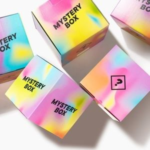 Summer Mystery Box - 5 Pieces Inside